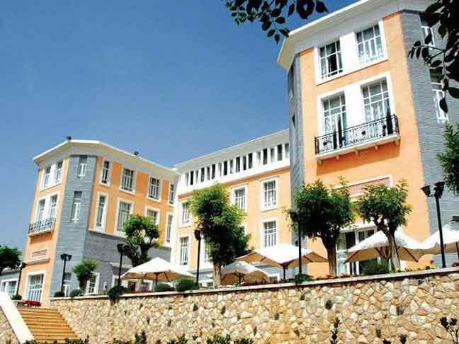 فندق بلودان الكبير     بلودان  ريف دمشق